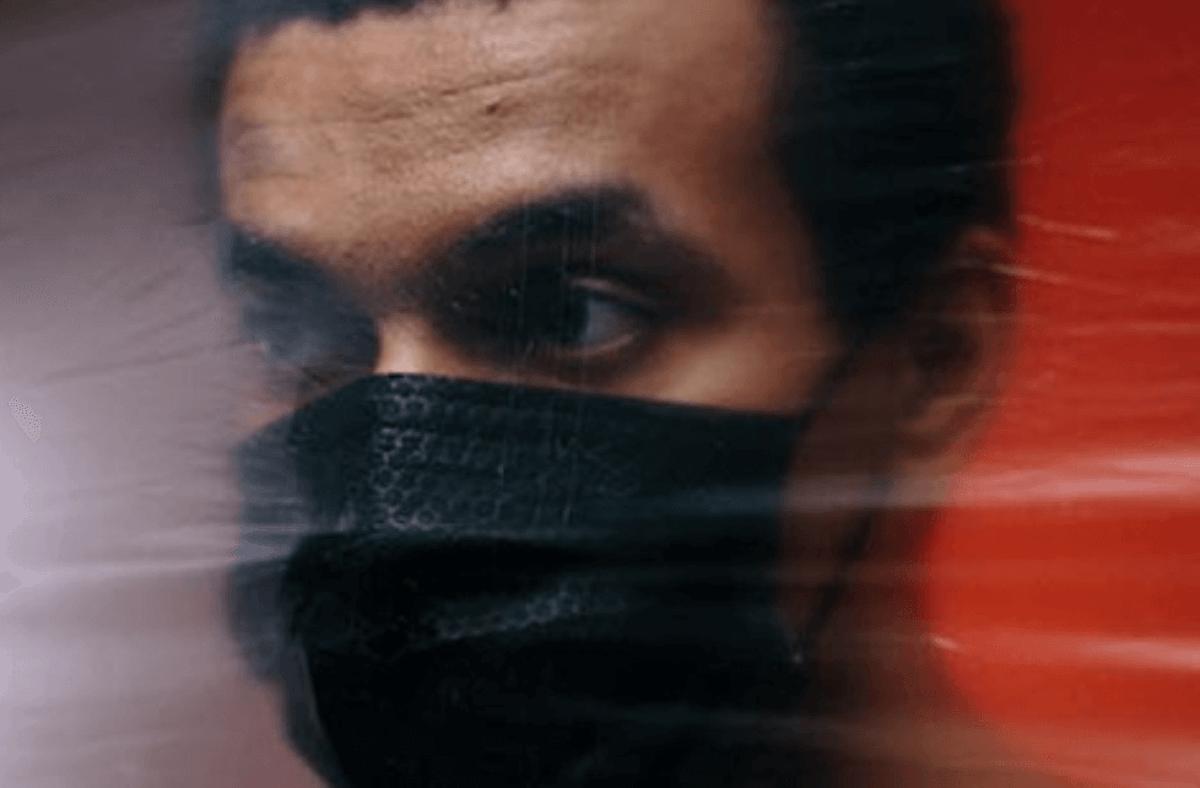 Man wearing a black mask Republicans states coronavirus cases