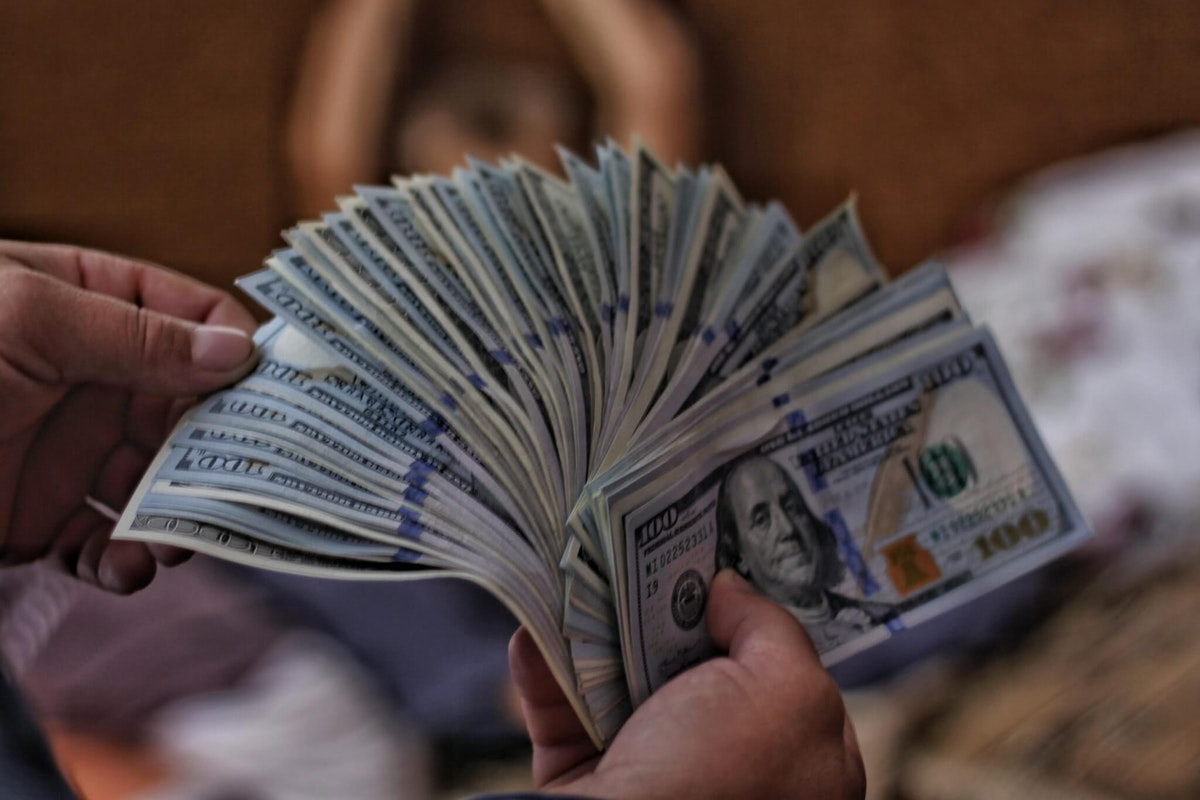 family discovers $1 million cash