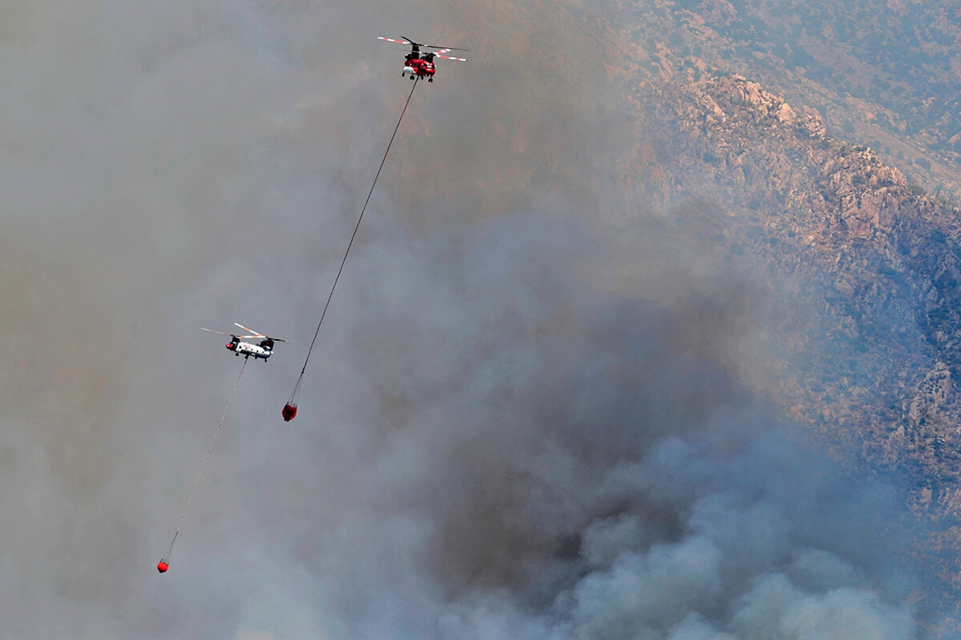 Helicopters battling Bighorn Fire
