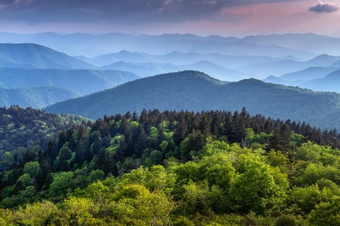 The Great Smokey Mountains of North Carolina. The state placed fifth in a national poll of the best states in America. (Image via Shutterstock)