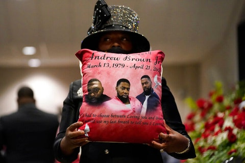Mourners attend the funeral for Andrew Brown Jr. May 3 at Fountain of Life Church in Elizabeth City . (Image via AP Photo/Gerry Broome)