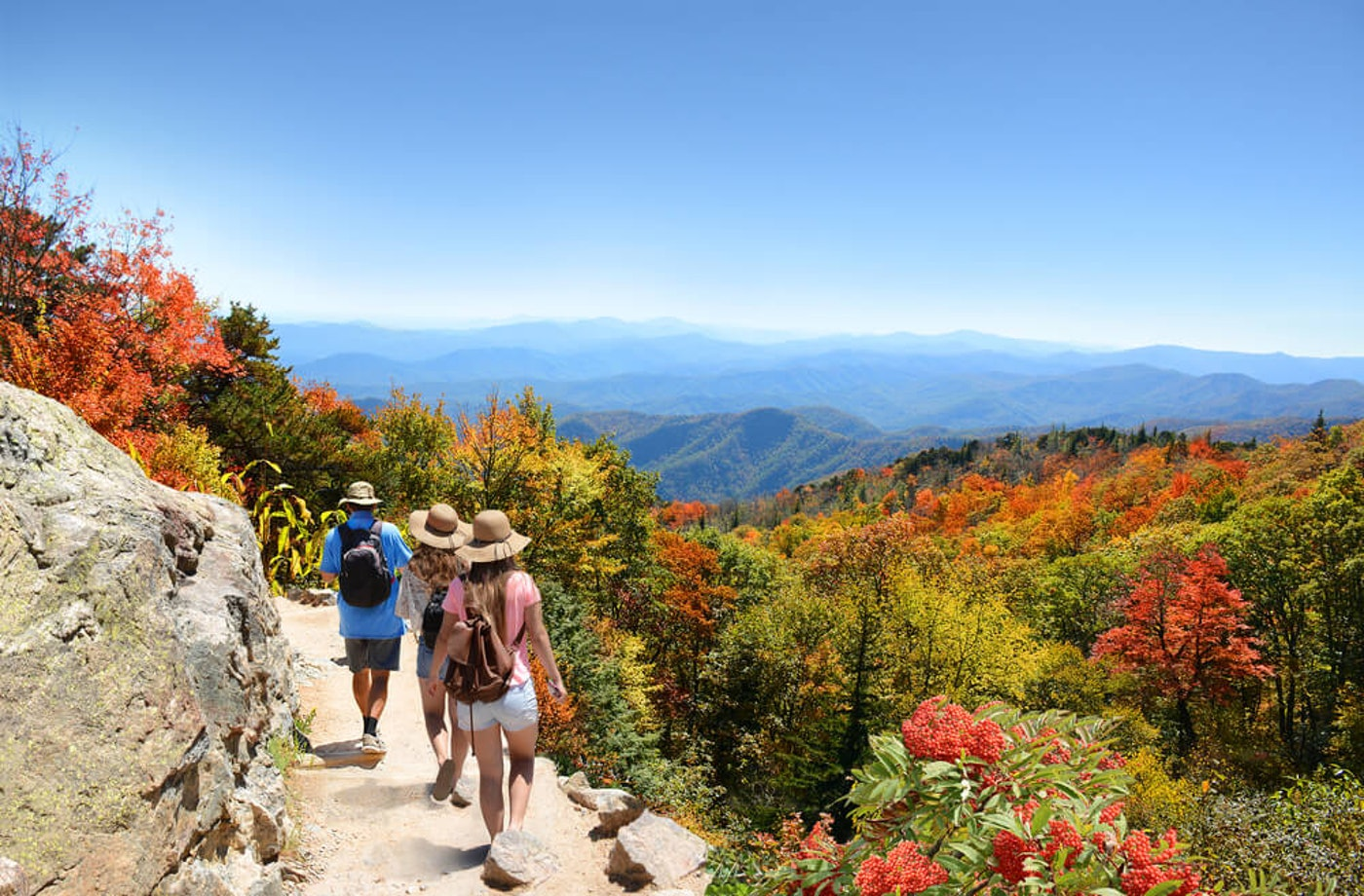 Hikers in the Blue Ridge Mountains of North Carolina near Asheville. (Image via Shutterstock)