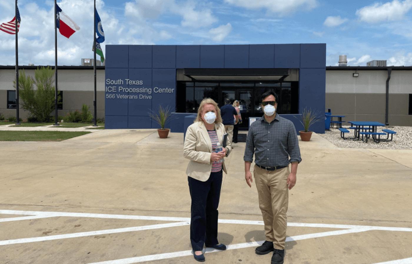 latino-congress-visit-detention-centers