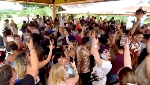 Morovis-Party_Puerto Rico-Covid
