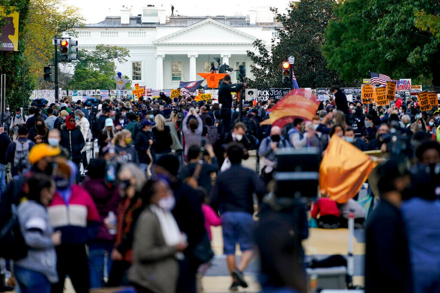 white-house-protest