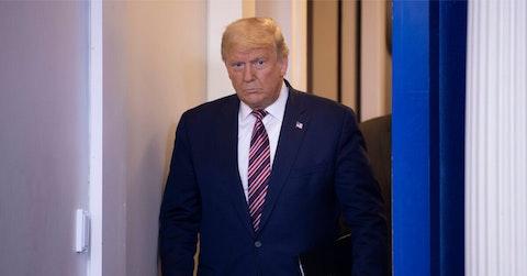 trump signs covid relief