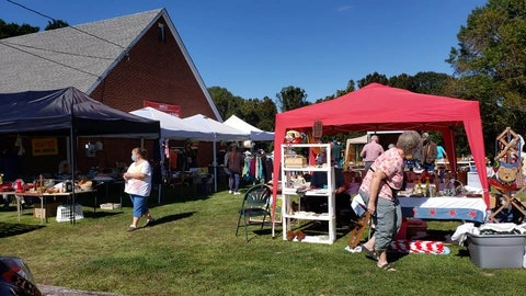 The 100 Mile Yard Sale kicked off on Thursday. Event organizers encouraged pandemic safety precautions, physically distancing booths. Photo by Amie Knowles.