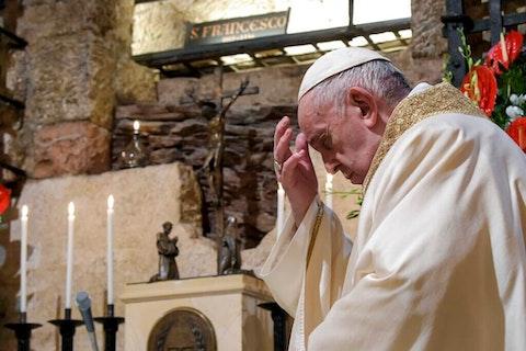 pope-francis-economy