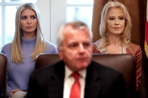 Ivanka Trump (L), daughter of U.S. President Donald Trump and assistant to the president, and Counselor to the President Kellyanne Conway (Photo by Chip Somodevilla/Getty Images)