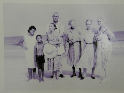 A family at the Seabreeze  resort near Wilmington. North Carolina's coast offered a few resort destinations for Black families in the era of segregation. (Fair use image)