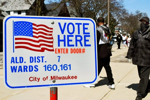Washington High School was one of only five Milwaukee polling places open on April 7, 2020. (Photo by Jonathon Sadowski)