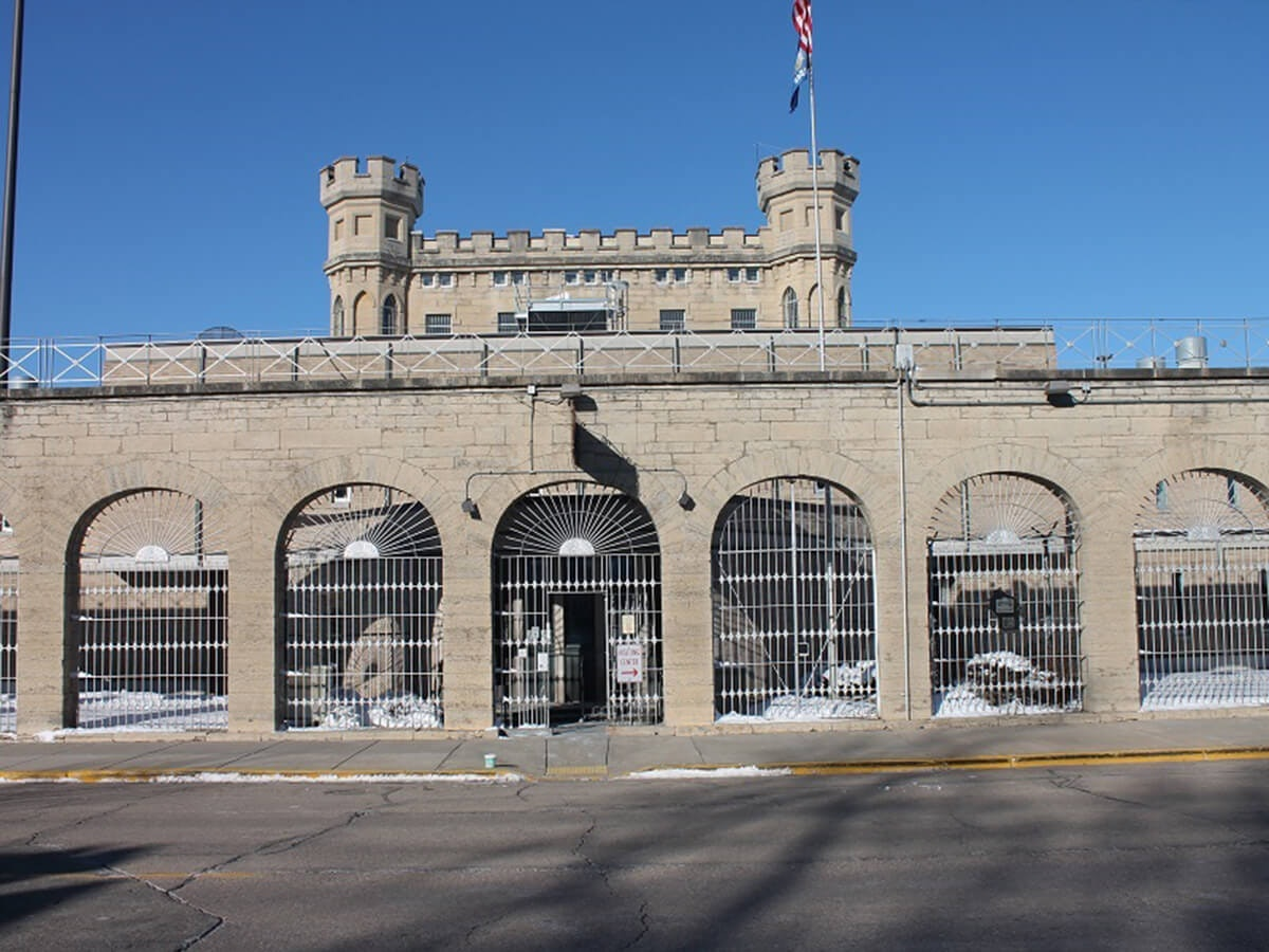 ACLU to Evers: Release Prisoners to Prevent COVID Outbreaks