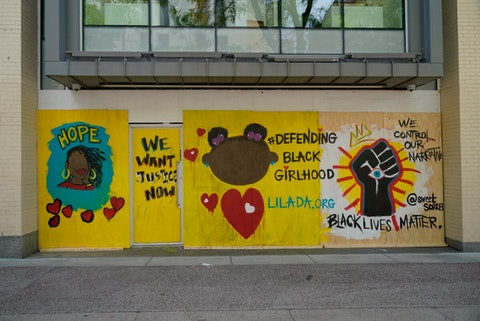 Mural on State Street in Madison. (Photo @ Andy Manis)