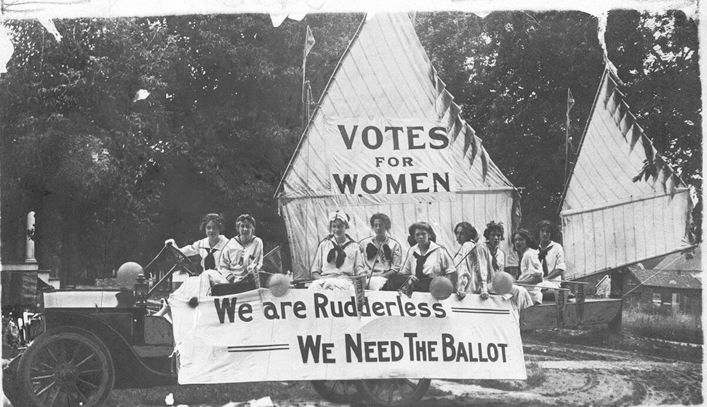 oshkosh women's suffrage parade float