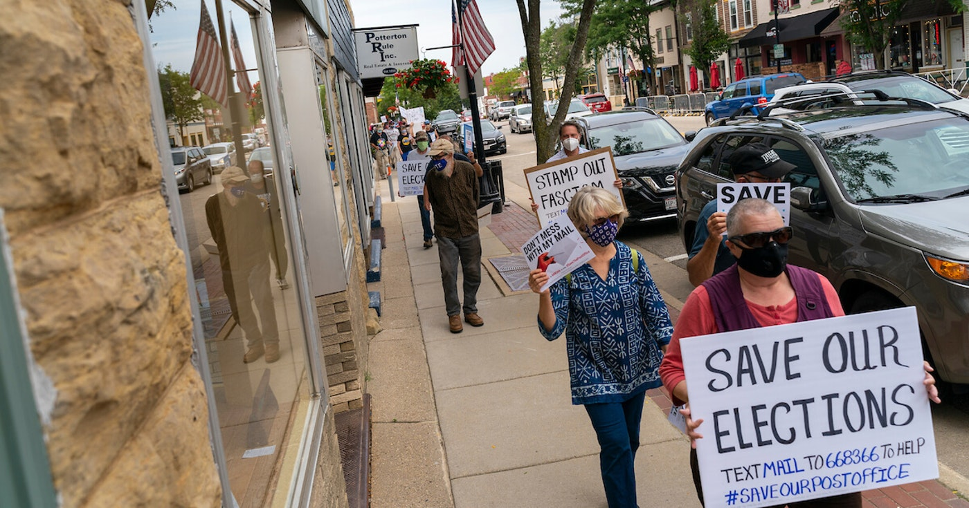 Residents in Towns Across Wisconsin Rally to Save USPS Ahead of Postmaster Testimony