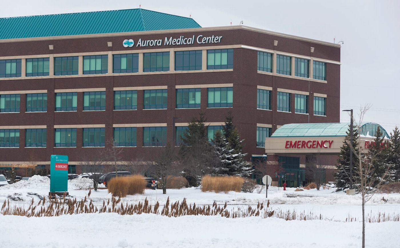 Aurora Medical Center in Grafton where a pharmacist is suspected of spoiling hundreds of doses of COVID-19 vaccine. (Photo via Mark Hoffman/Milwaukee Journal Sentinel for Associated Press)