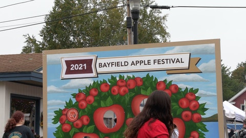 Bayfield Apple Festival returned to full strength this year after a pared-down 2020 due to COVID-19. (Photo by JT Cestkowski)