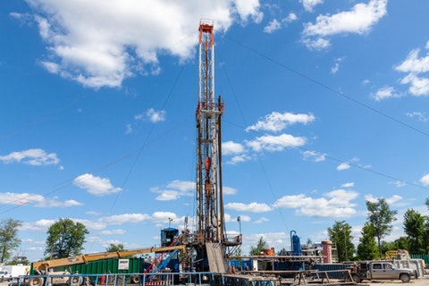 Marcellus Shale Gas Drilling Rig during construction of a well in Northern Pennsylvania. Image via Shutterstock