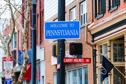"""A """"Welcome to Pennsylvania"""" sign in downtown Easton. (Shutterstock/Andriy Blokhin)"""