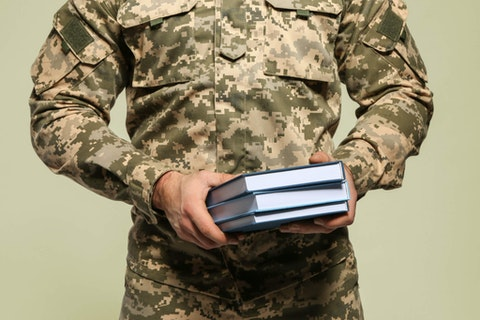 High school graduates who serve at least two years in the US military will be guaranteed admission under Grand Valley State University's promise to veterans.
